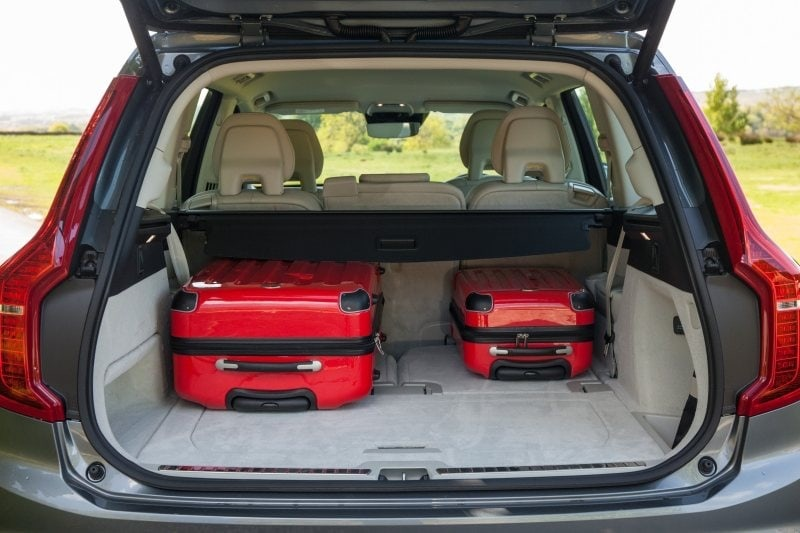 PD Road test Volvo XC90 boot 800