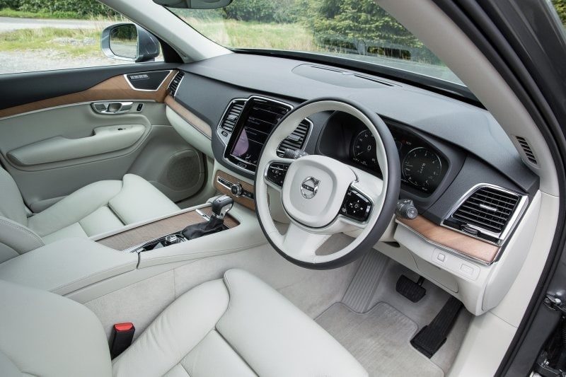 PD Road test Volvo XC90 front seat 800