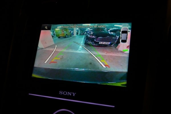 PD web road test Mondeo Vignale screen 600