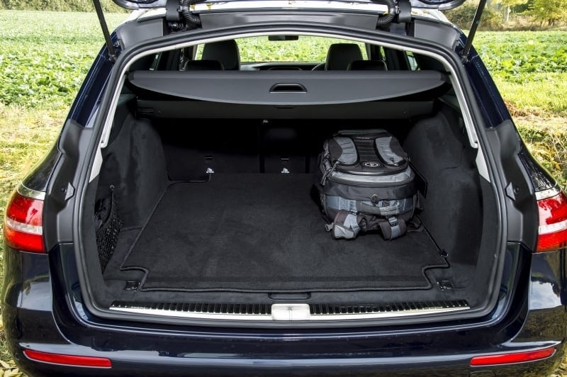 PD website road test Mercedes E220d estate boot