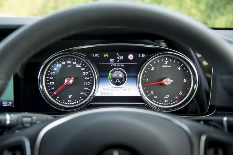 PD website road test Mercedes E220d estate dash