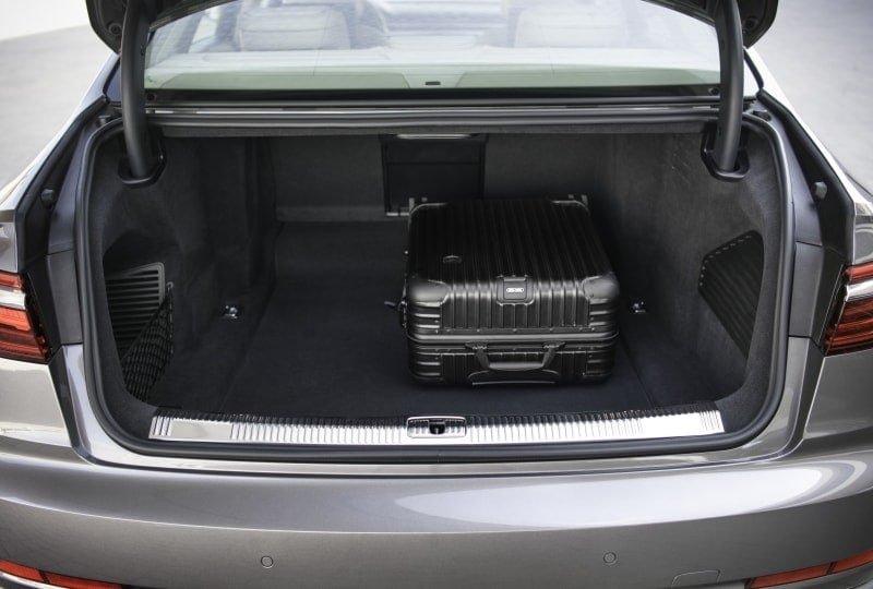 PD website road test Audi A8L boot