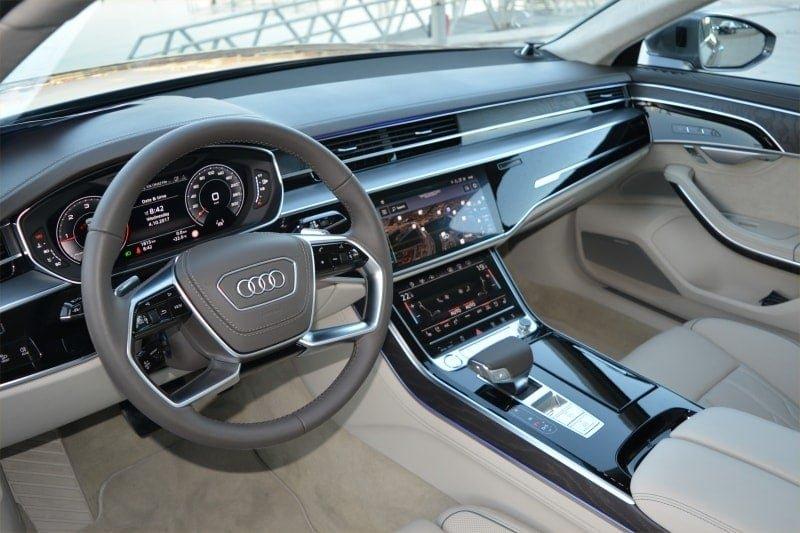PD website road test Audi A8L front seat