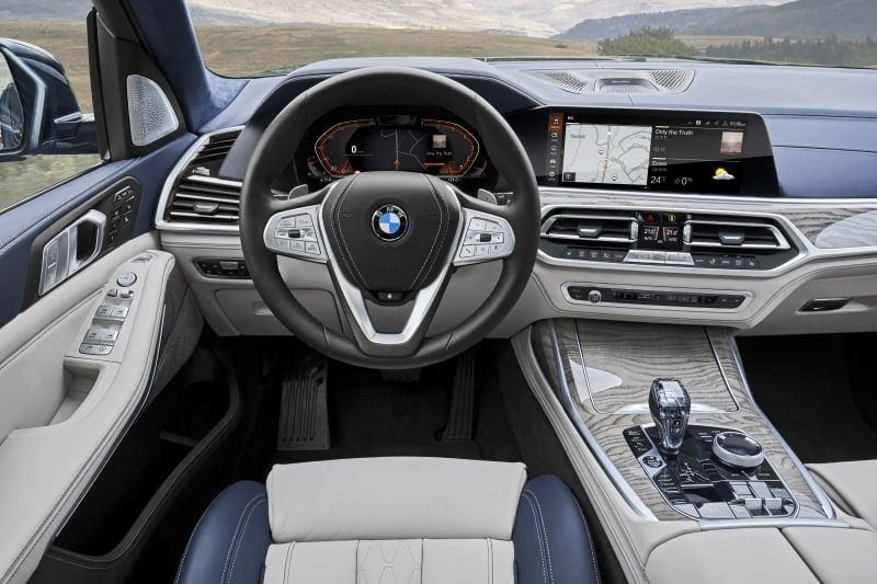 PD BMW X7 interior