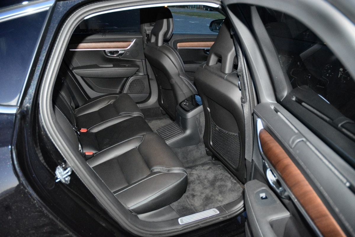 Volvo S90 T8 rear seat