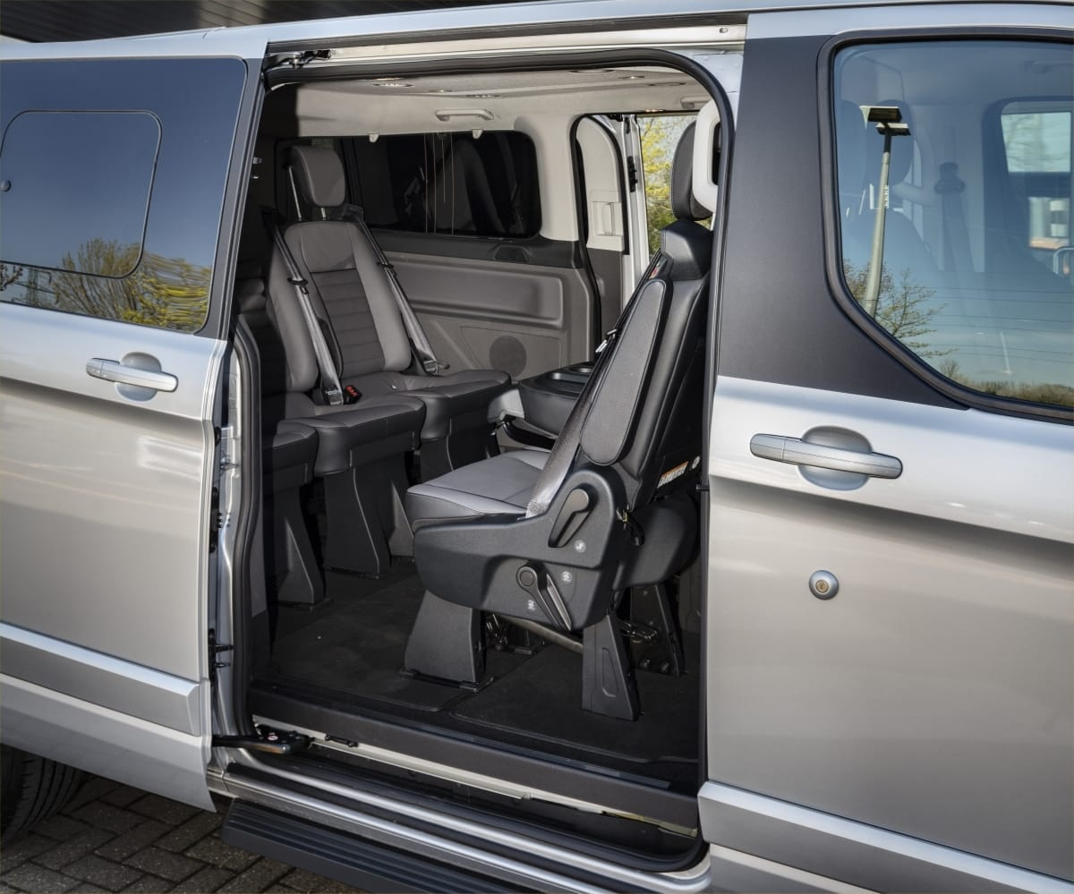 Ford Tourneo rear door