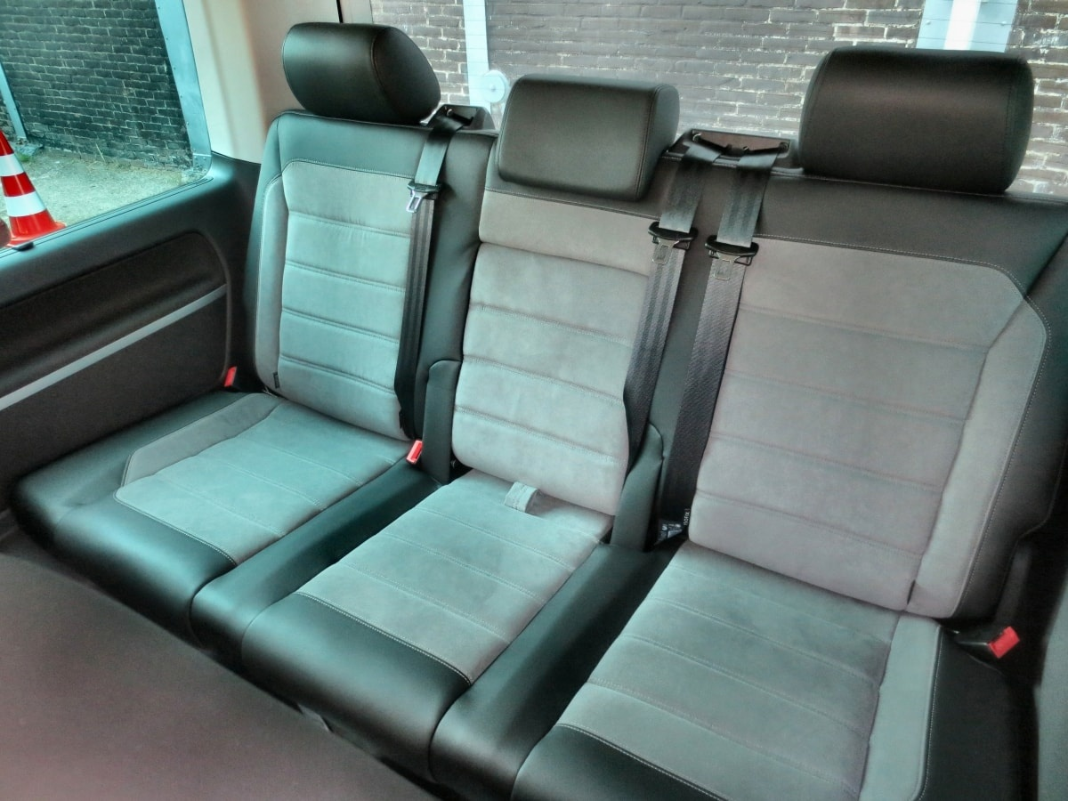 VW Caravelle third row seats
