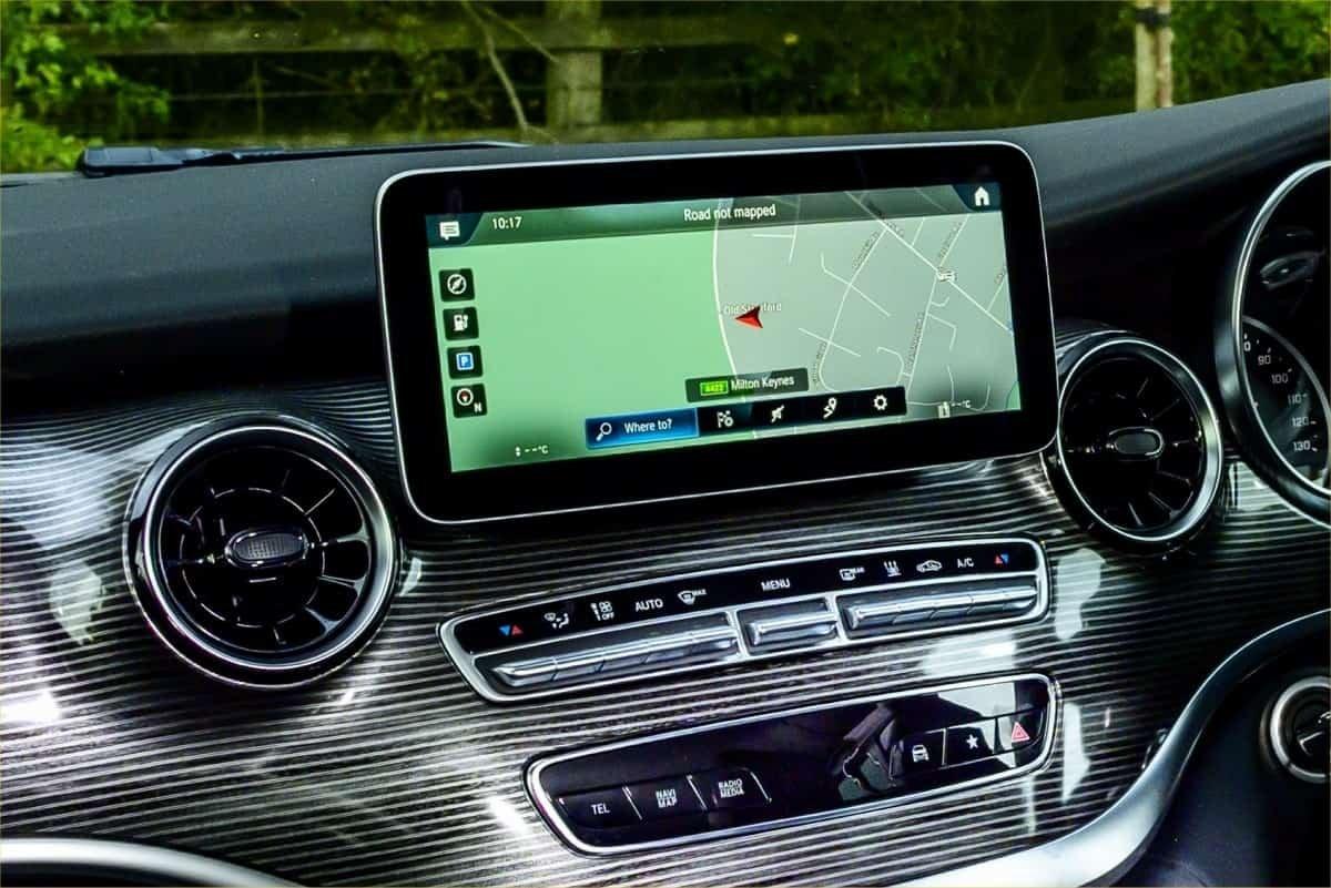 Mercedes EQV satnav