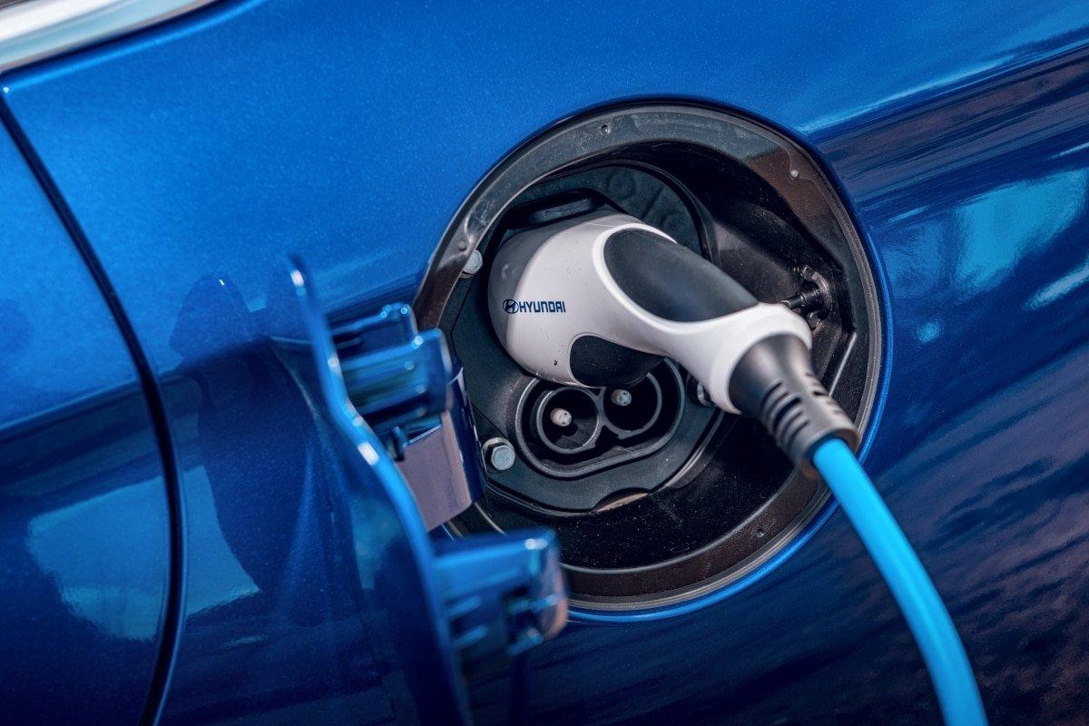 Hyundai Ioniq charge point