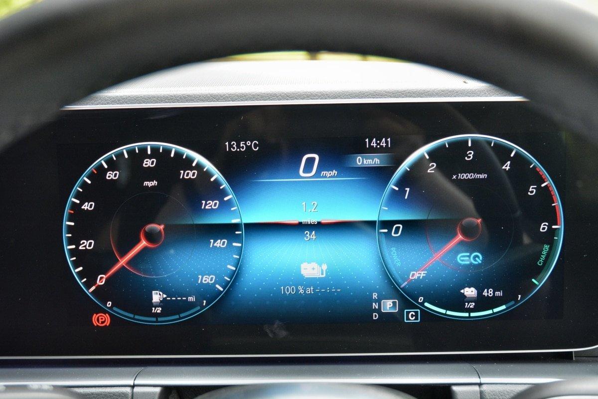 Mercedes GLE dashboard