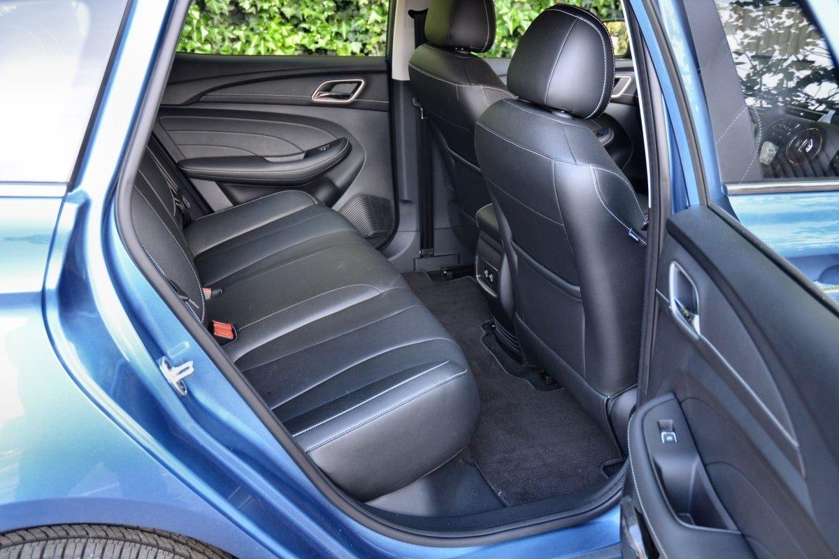 pd mg5 5 rear seat